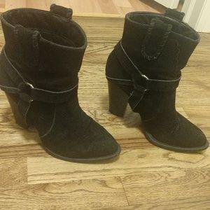 Shoedazzle cowboy booties